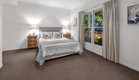 Kew Rd Bed 2 (2)